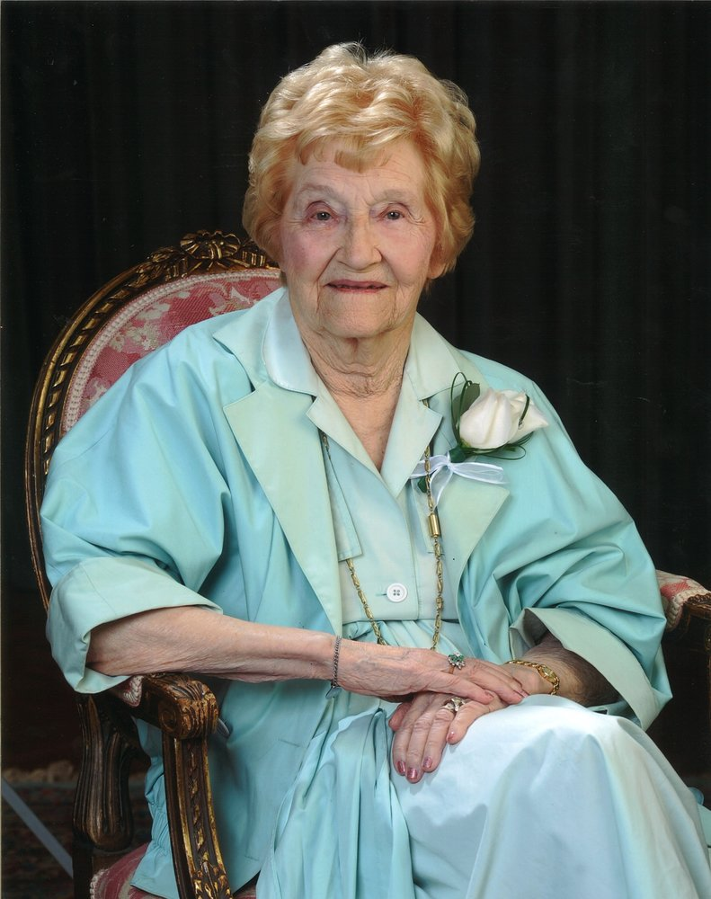 Obituary of Dorothy Viola Wiebe
